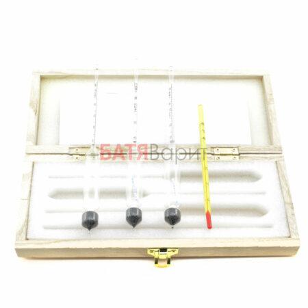 Набор спиртомеров (ареометров) в деревянном футляре + термометр